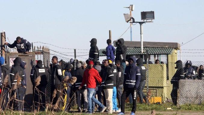 Nasilni protesti migranata u Grčkoj 3