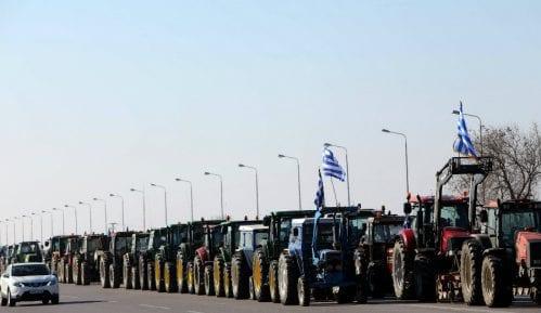 Grčki poljoprivrednici blokirali puteve 2
