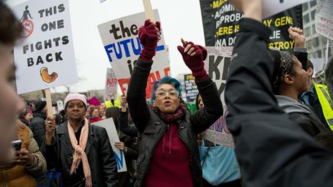 Ženski marševi i protiv Trampa 1