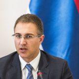Stefanović: Nedopustivi napadi na policiju 15