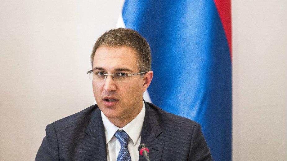 Stefanović: Nedopustivi napadi na policiju 1
