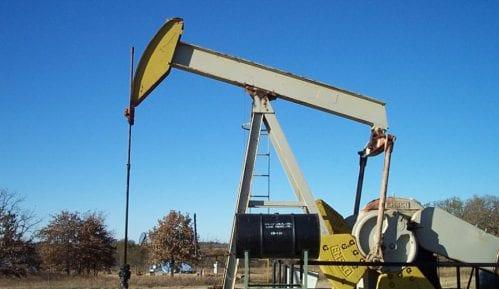 Cena sirove američke lake nafte oko samo jedan dolar po barelu 11