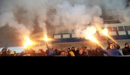 Masovna tuča navijača Partizana na naplatnoj rampi Nais 1