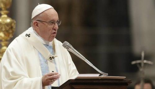 Papa tokom mise pozvao političare da ostave po strani političke razlike 2