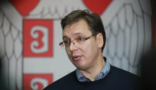 Vučić o reviziji tužbe: Treba da spustimo loptu 8