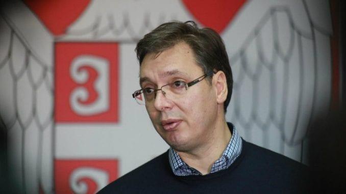 Vučić o reviziji tužbe: Treba da spustimo loptu 1