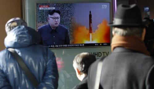 Abe: Lansiranje severnokorejske rakete neprihvatljivo 7