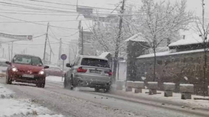 Saobraćaj otežan zbog snega, gužve na granici sa Mađarskom i Hrvatskom 4