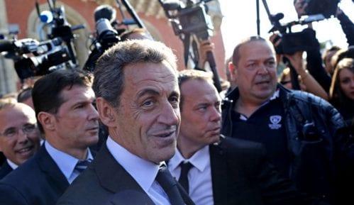 Bivši francuski predsednik Sarkozi ocenio optužbe protiv njega kao sramotne 7