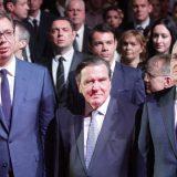 Vučić pozvao Šredera na skup na godišnjicu bombardovanja 8