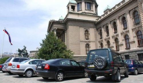 Agencija: Ministri mogu službenim kolima u kampanju 5