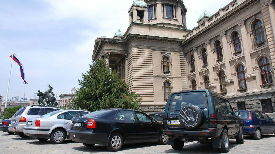 Agencija: Ministri mogu službenim kolima u kampanju 1