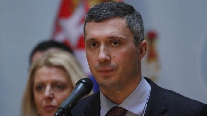 Prve tužbe idu Vučiću, Pinku i Informeru 1