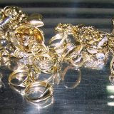 Zaplenjen nakit vredan više od dva miliona dinara 13