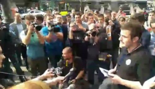 Novi protest Drugog kruga ispred Informera (VIDEO) 7