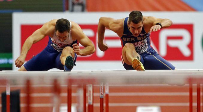 Amerikanac Holovej oborio svetski rekord na 60 metara s preponama 4