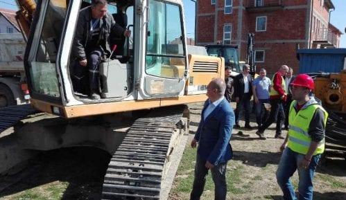 Vesić: Narednih meseci rušenje velikih nelegalnih objekata 15