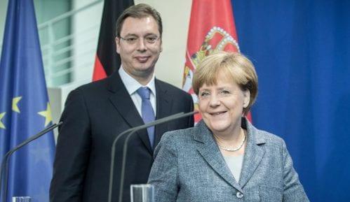 Vučić se danas sastaje sa Merkelovom 8