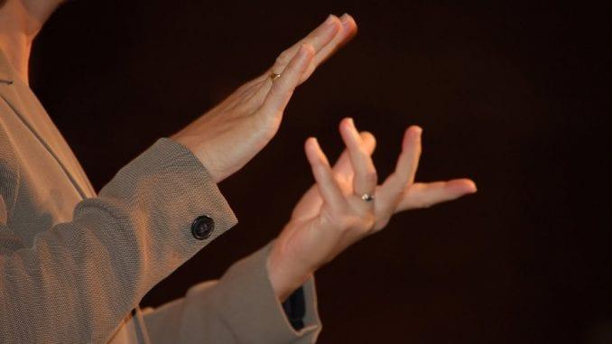 U svetu se koristi više od 300 različitih znakovnih jezika 1