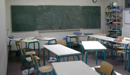 Banja Koviljača: U klupama i đaci migranti 4