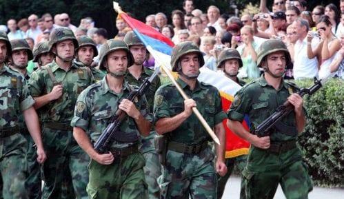 Nema novca za povećanje plata vojnicima 11