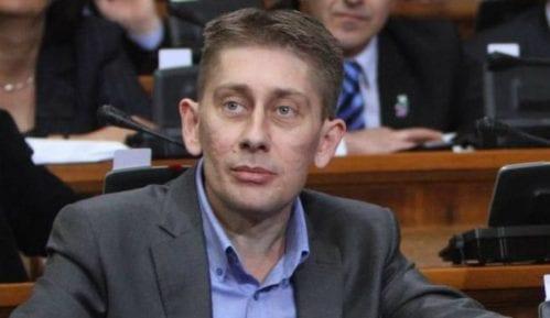 Martinović: Neprihvatljivo da je u skupštinskoj sali više poslanika SRS nego SPS 12