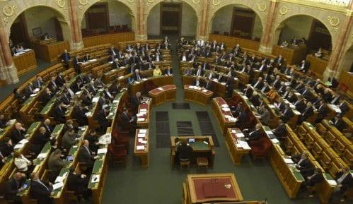 """Mađarska usvojila """"zakon protiv Sorosa"""" 13"""