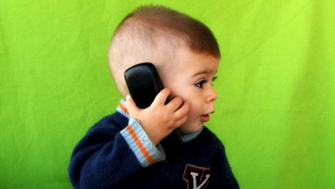 Deca sve veći zavisnici od interneta 1