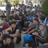Deo migranata iz Šida biće premešten u druge gradove 4