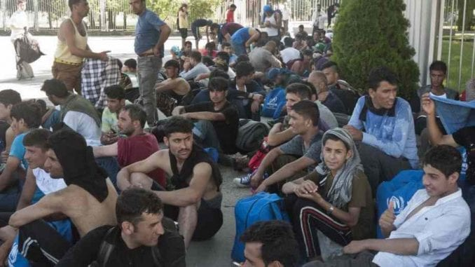 Deo migranata iz Šida biće premešten u druge gradove 1