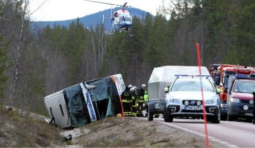 Prevrnuo se autobus sa đacima u Švedskoj, ima žrtava 3