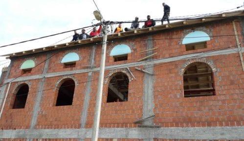 Pokret slobodnih građana: Noćno rušenje džamije 4