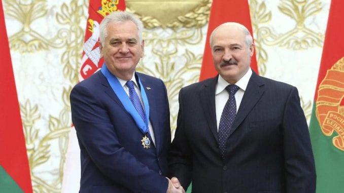 Lukašenko odlikovao Nikolića 1