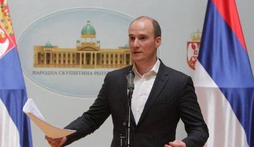 Božović (DS): Koliko huligana je privedeno zbog sinoćnjeg divljanja i bakljade 15