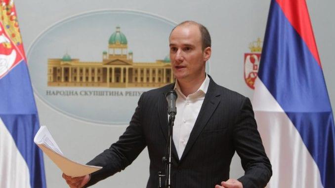 Božović: Performansi Dveri pomažu Vučiću 2