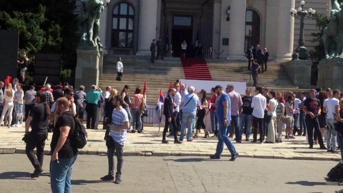 Osude napada na novinarku Danasa ispred skupštine 1