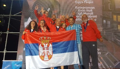 Srbija vicešampion sveta u sletanju paraglajderom 11