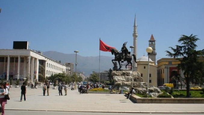 Albanija: Studenti blokirali ulice, traže smanjenje školarina 1