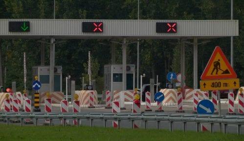 Putevi Srbije: Nema čekanja na naplatnim stanicama, kamioni na granici čekaju do tri sata 12