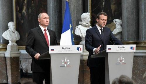 Makron i Putin za jaču saradnju u borbi protiv terorizma 6