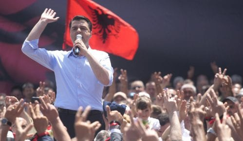 Protesti u Tirani, traže fer izbore 9