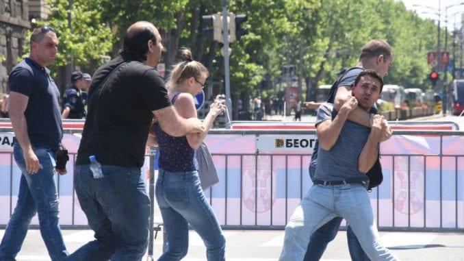 Otkriveni nasilnici sa mitinga podrške Vučiću (FOTO) 1