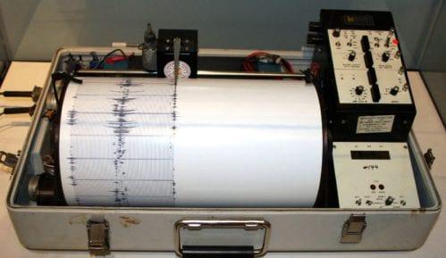 Zemljotres magnitude 4,9 potresao Albaniju, ljudi na ulicama 10