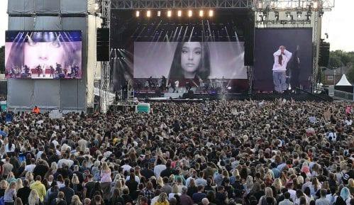 Održan koncert Arijane Grande sa gostima u Mančesteru (VIDEO) 12