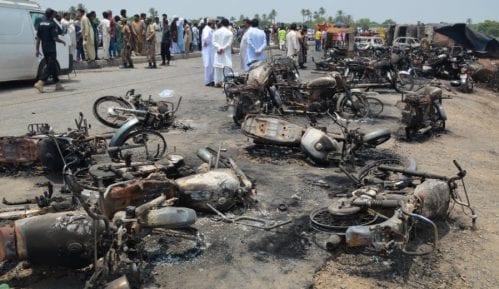 Stradalo najmanje 153 ljudi u Pakistanu 9