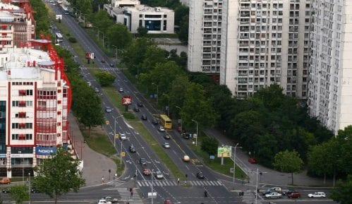 Automobil se zapalio nakon sudara na Novom Beogradu 12