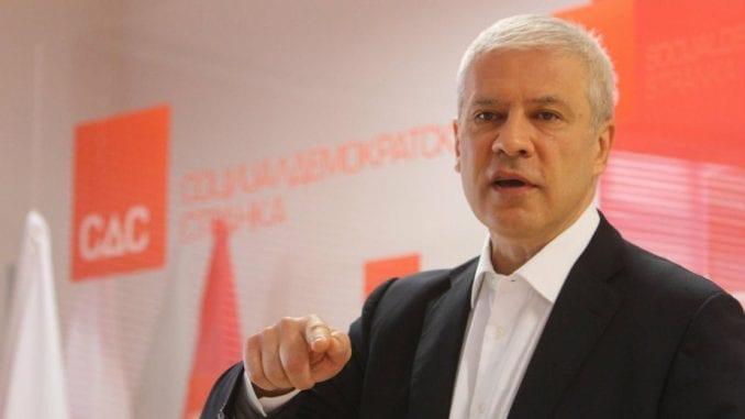 Tadić: Stranci traže od opozicije da ne uznemirava javnost, jer im je Vučić obećao Kosovo 1