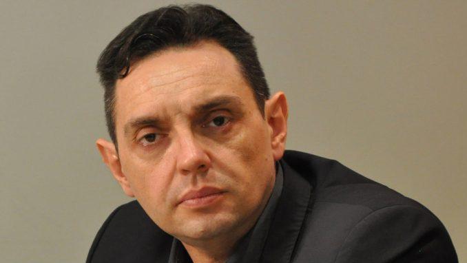 Vulin: Protestima žele da destabilizuju Srbiju 1