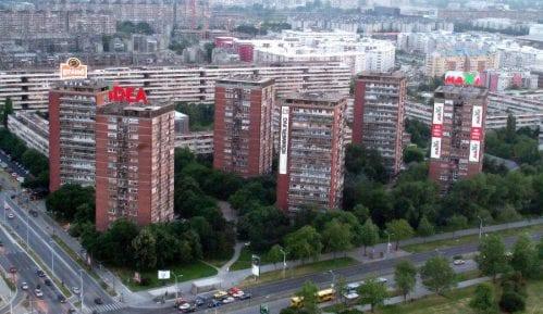 Prvi upravnici zgrada tokom avgusta 1
