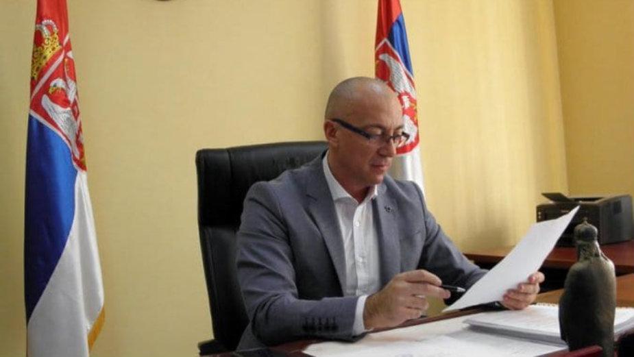 Rakić uklonio iz kancelarije za zvanične sastanke zastavu Kosova 1